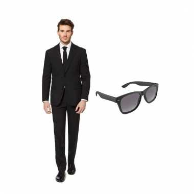 Verkleed zwart net heren pak maat (xxxxl) gratis zonnebril