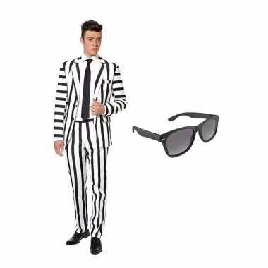 Verkleed zwart wit gestreept print net heren pak maat xl gratis zonnebril